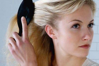 Lhuile volatile pour la beauté des cheveu